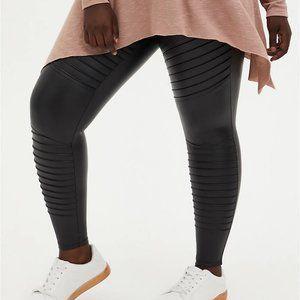 Torrid Platinum Legging Faux Leather Moto Size 4